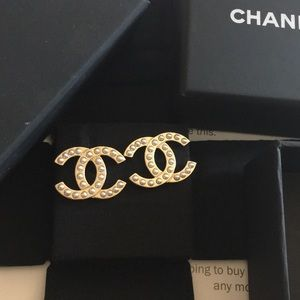 Chanel pearl gold CC earrings